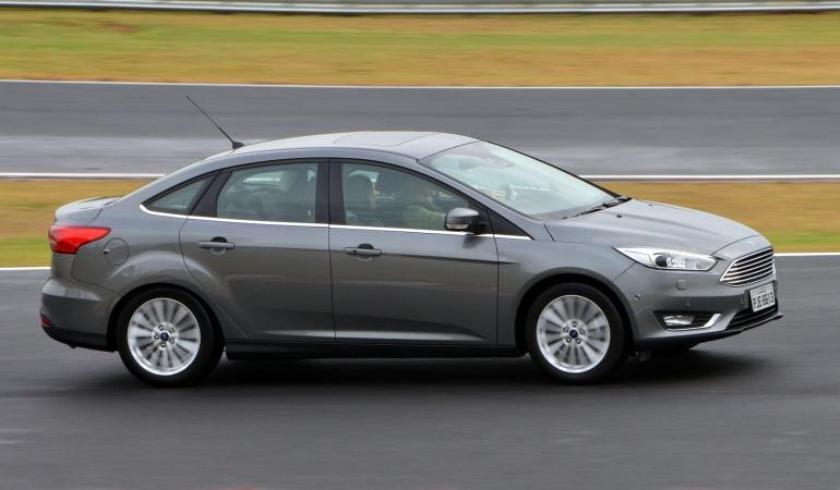 Focus Sedan 2016 chega renovado até no nome
