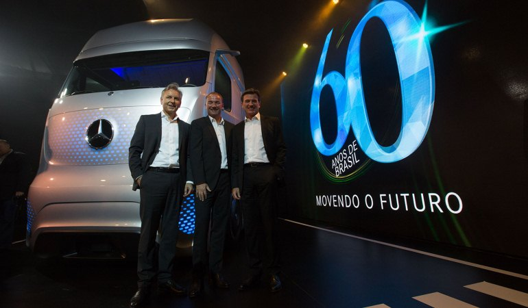 Mercedes-Benz celebra 60 anos no Brasil