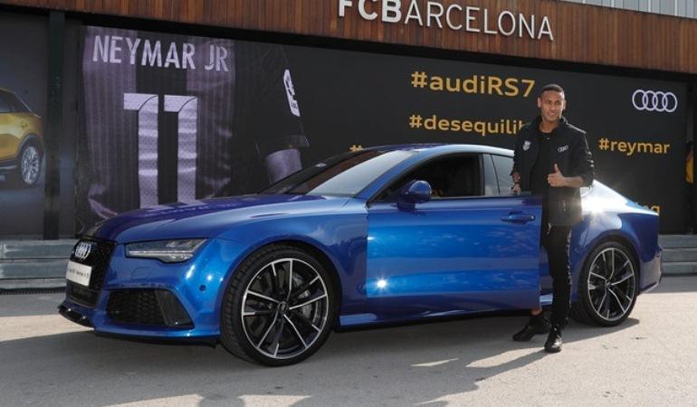 Audi mostra RS 7 Sportback, o novo carro do Neymar