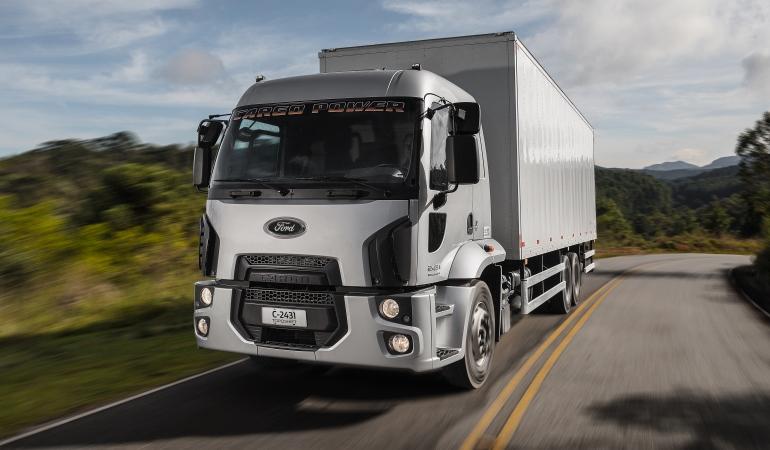 Ford apresenta linha Cargo Power com novo trem de força