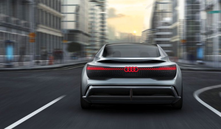 Audi planeja vender 800 mil carros elétricos em 2025