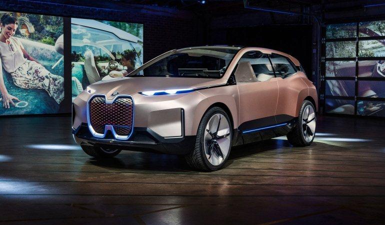 BMW oferece passeio virtual no conceito Vision iNEXT